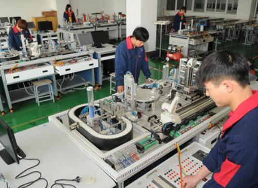 吉林化工学院电气自动化技术专业成人高考中专升大专